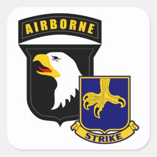 101st Im Flugzeug 502. Infanterie Quadratischer Aufkleber