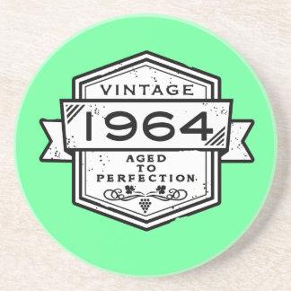 1964 gealtert zur Perfektion Getränkeuntersetzer