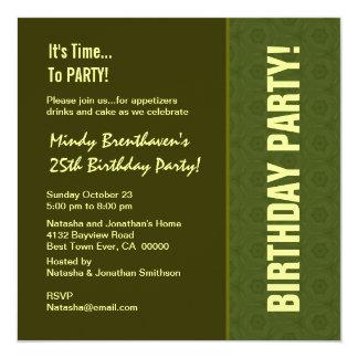 25. Geburtstags-modernes grünes und SahneW756 Quadratische 13,3 Cm Einladungskarte