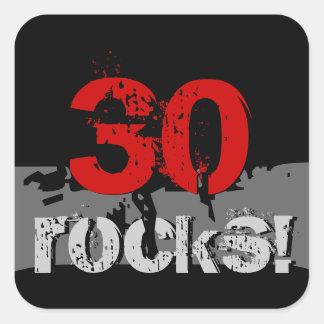 30 Geburtstag - 30 Felsen! Schmutz rot und schwarz Quadratischer Aufkleber