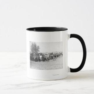 3 Cowboys, die Pferde PhotographSouth Dakota Tasse