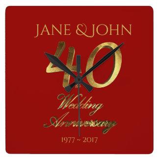 40. Hochzeitstag-karminrotes Hochzeits-Rot-Gold Quadratische Wanduhr