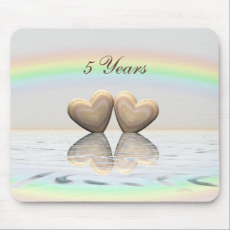 5. Jahrestags-hölzerne Herzen Mousepads