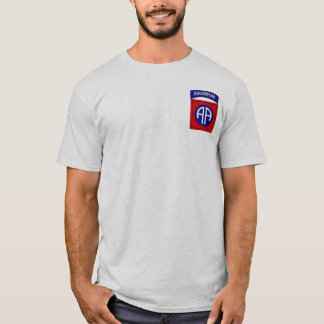 82. Im Flugzeug Div.-Shirt T-Shirt