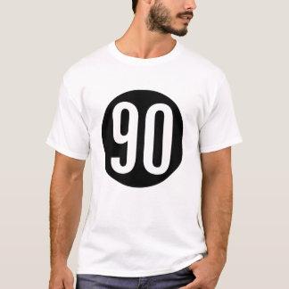 90 in einem Kreis-T - Shirt
