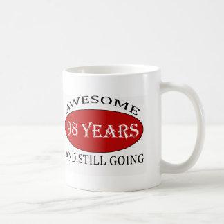 98 Jahre alte Geburtstagsentwürfe Kaffeetasse