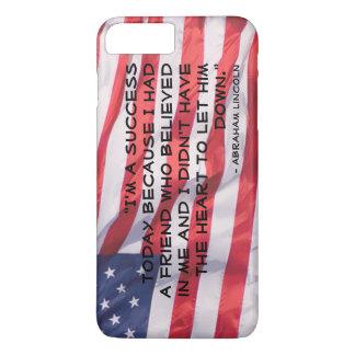 Abraham Lincoln-Zitat über Flaggen-Hintergrund iPhone 8 Plus/7 Plus Hülle
