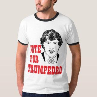 ABSTIMMUNG FÜR TRUMPEDRO der politischen das T-Shirt