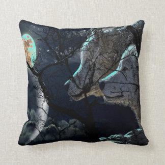 Abstraktes Mond-Baumnachtglühenwolf Throwkissen Kissen
