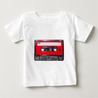Achtzigerjahre rote Aufkleber-Kassette T-shirt
