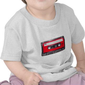 Achtzigerjahre rote Aufkleber-Kassette Shirt