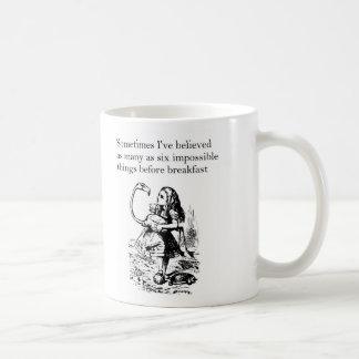 """Alice im Wunderland, """"sechs unmögliche Sachen"""" Tasse"""