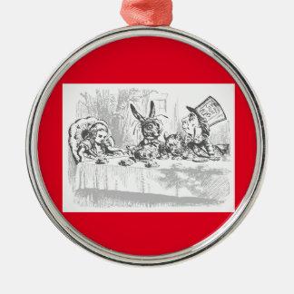 Alice im Wunderland-wütende Rundes Silberfarbenes Ornament