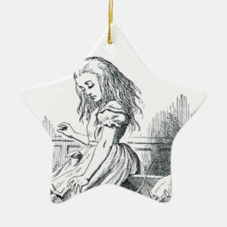 Alice und die Eichhörnchen Keramik Stern-Ornament