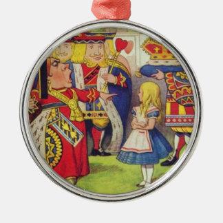 Alice und die Königin der Herzen Rundes Silberfarbenes Ornament