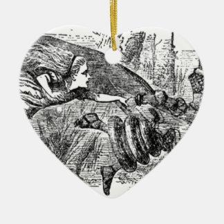 Alice und die Königin Keramik Herz-Ornament