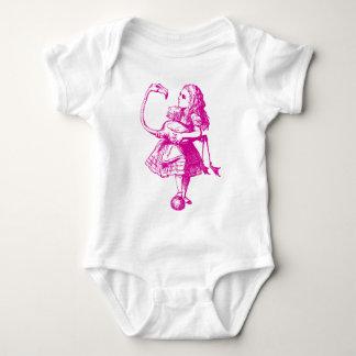 Alice und Flamingo schwärzten Rosa mit Tinte Babybody