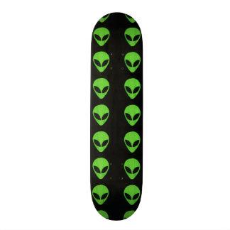 Alien-Gesichtergrüner Skateboard Individuelles Deck