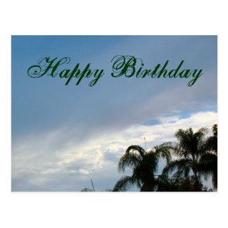 Alles Gute zum Geburtstagbäume und -himmel Postkarte