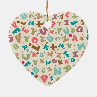 Alphabet-klumpiges Buchstabe-Muster Keramik Herz-Ornament