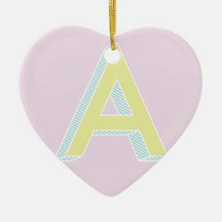 Alphabet-Malvenfarbe A Keramik Herz-Ornament