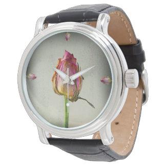 Alte Rose auf Papier Uhr