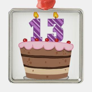 Alter 13 auf Geburtstags-Kuchen Quadratisches Silberfarbenes Ornament