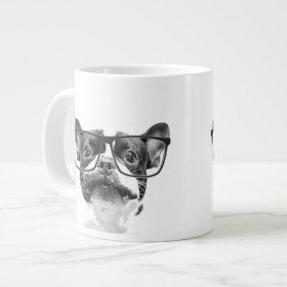 Angesehene französische Bulldogge mit Gläsern Extragroße Tasse