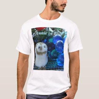 Annie im Blau T-Shirt