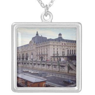 Ansicht des Musee d'Orsay vom Nordwesten Halskette Mit Quadratischem Anhänger