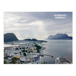 Ansicht von Alesund, norwegisches Meer, Norwegen Postkarte