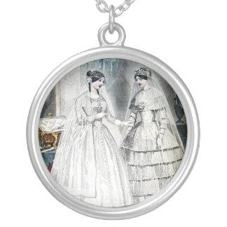 Antike Hochzeits-Kleider Versilberte Kette