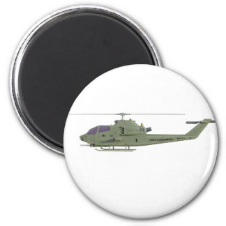 Apache-Hubschrauber im Seitenansichtprofil Runder Magnet 5,7 Cm