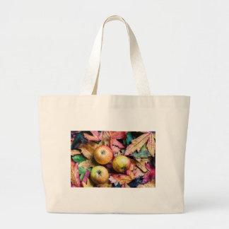 Äpfel und Herbst-Blätter Jumbo Stoffbeutel