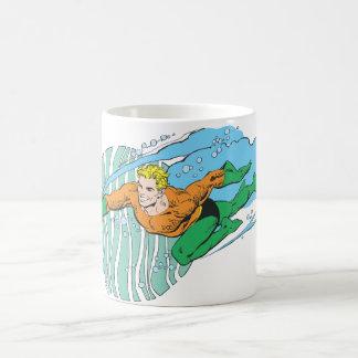 Aquaman Sprünge verlassen Tasse