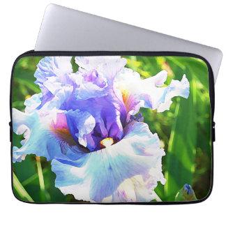 Aquarell-Iris im Lavendel und im Blau Laptop Schutzhüllen