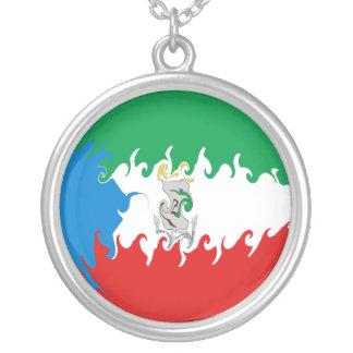 Äquatoriale Guinea-Gnarly Flagge Halskette Mit Rundem Anhänger