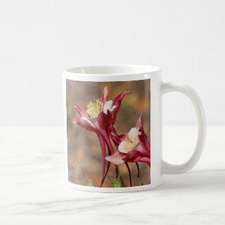 Aquilegia - rotes Hobbit Kaffeetasse