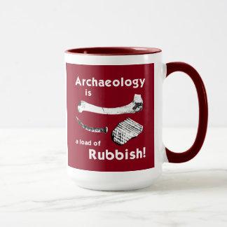 Archäologie ist eine Last der Abfall-Tasse Tasse