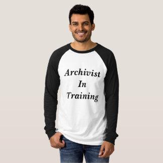 Archivar im Trainings-Baseball-Shirt T-Shirt