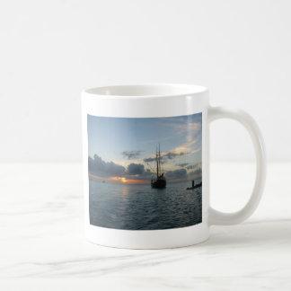 Aruba mit Boot u. Sonnenuntergang Kaffeetasse