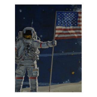 Astronaut auf dem Mond mit amerikanischer Flagge Postkarte
