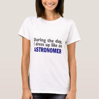 Astronom während des Tages T-Shirt