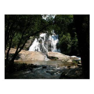Atemberaubender Wasserfall in Südafrika Postkarte