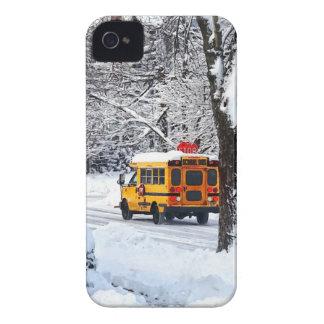 Auf der Weise zur Schule im Winter iPhone 4 Etuis