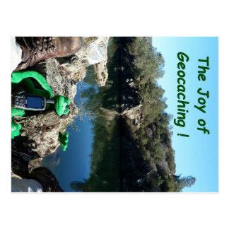 Auf eine felsige Spur durch einen Fluss zurück Postkarte