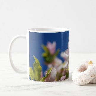 Aufmerksame Magnolien-Tasse Tasse