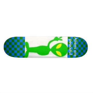 Außerirdische ist friedlich skateboard bretter
