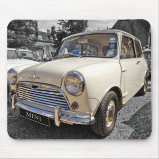 B/W abgetöntes Sechzigerjahre britisches Miniauto Mousepad
