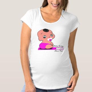 Baby-Laden… wartet bitte (Mädchen) 3 Umstands-T-Shirt